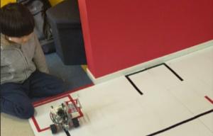 自作ロボ+プログラミング     ~緊張の発表~